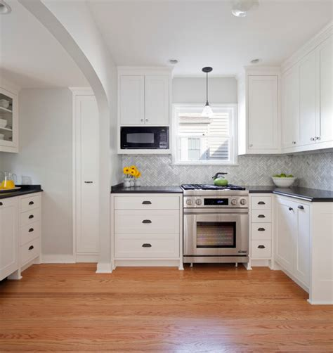 Sample Backsplashes For Kitchens by Tricks For Choosing The Best White Paint Color