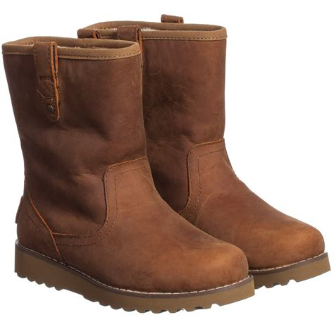 are leather uggs waterproof