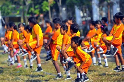 Seragam Olahraga Pakaian Seragam Kerja Related Keywords Pakaian Seragam