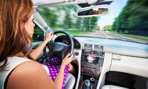 Car insurance for young drivers reverses 10.3% in the last