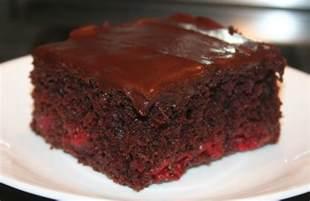 schokoladen kirsch kuchen chocolate cake with cherry filling brown hairs