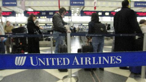 check in united airlines united updates app to let passengers rebook canceled