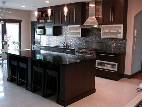 The Whole Kitchen by Moda Kitchens