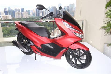 Honda Pcx Mmc 2017 by Perbedaan All New Honda Pcx 150 Dan Yamaha Nmax 155 Abs
