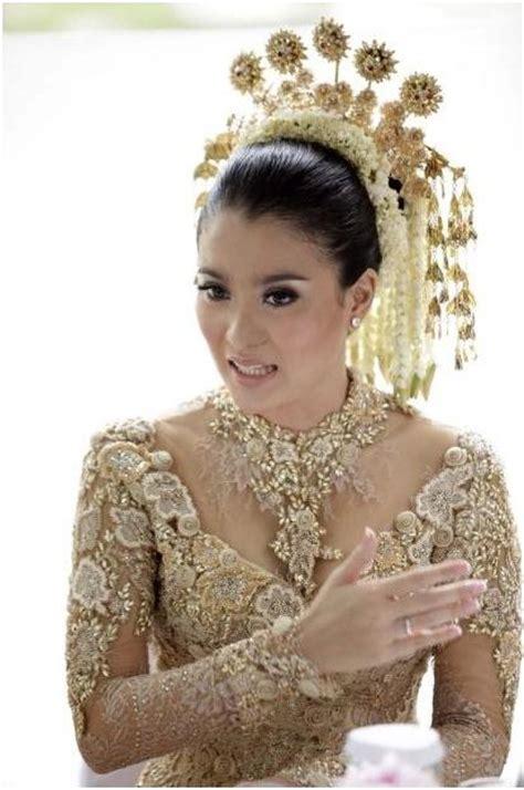 17 best ideas about kebaya wedding on kebaya kebaya and kebaya brokat