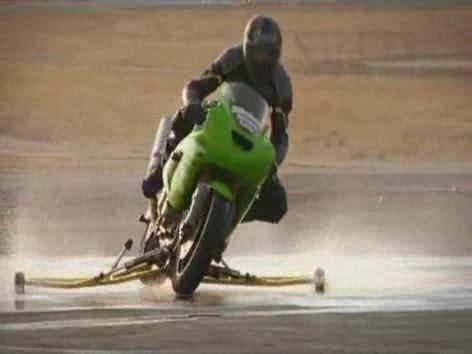 Motorrad Rennreifen F R Anf Nger by Motorrad Regenfahrt Was Im Nassen Geht Training Auf Der