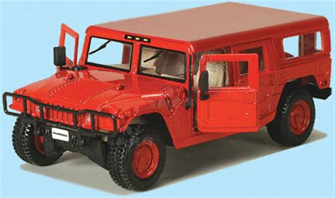 Maisto Premiere Humvee Skala 1 18 hummer h1 wagon by maisto 1 27 scale diecast model car