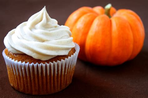 pumpkin cupcakes pumpkin cupcakes with cinnamon cream cheese frosting