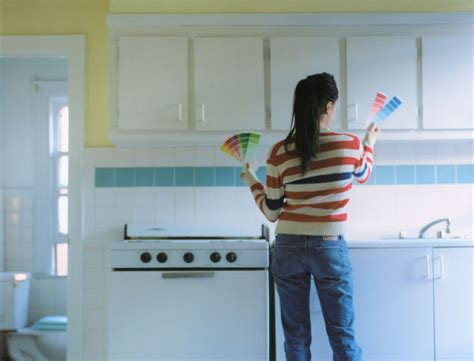 how to spray cabinets how to spray paint kitchen cabinets