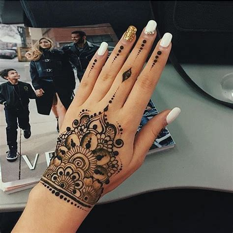 christian henna tattoo designs de 25 bedste id 233 er til henna p 229 pinterest symboler