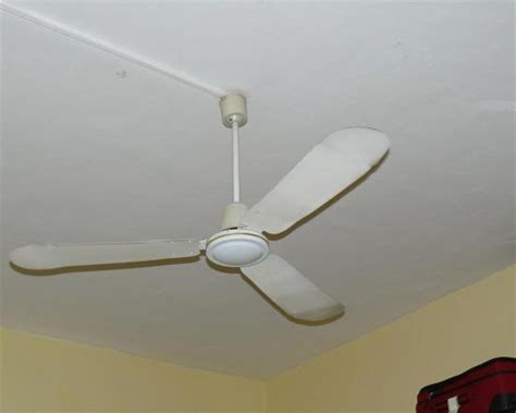 Noises In The Ceiling by Noisy Ceiling Fan 28 Images Mounting Ceiling Fans On A