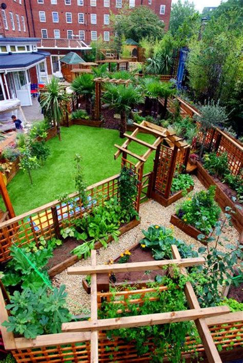 Garden Ideas For Schools It S For A Nursery School In But The Garden Layout Is Great Defined Spaces Garden