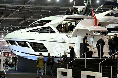 london boat show 2016 toys gadgets and accessories for - Boat Brands Uk