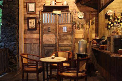 design cafe jalanan 4 caf 233 di bandung dengan desain interior klasik mldspot