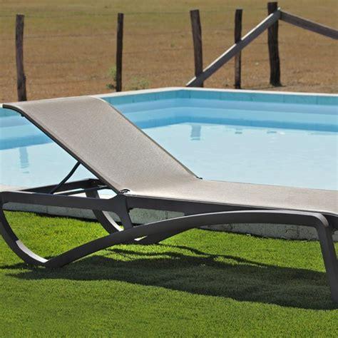 chaise longue piscine chaise longue de jardin aliz 233 bronze la boutique desjoyaux