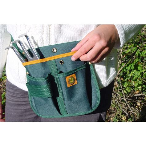 Garden Equipment Accessories by Gardener S Tool Belt Or Pouch From Planto