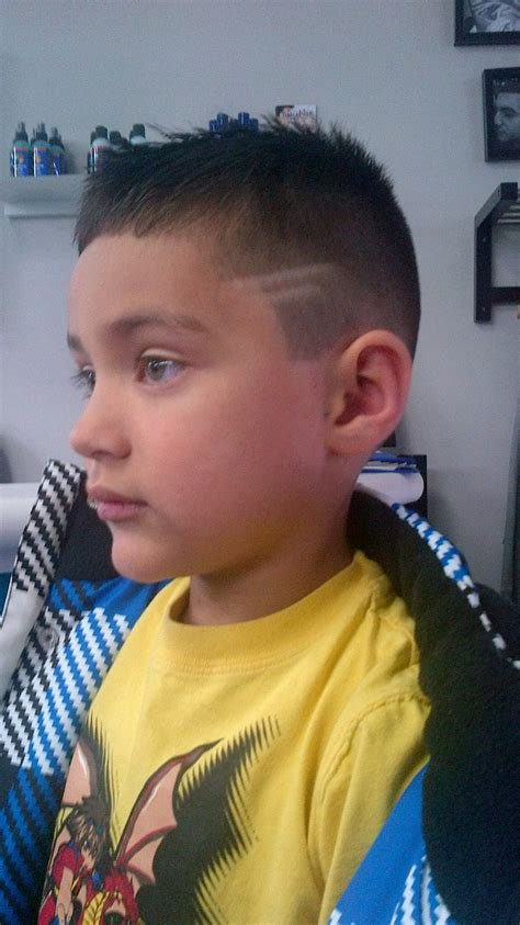 2 lines hairstyle 17 images about rylc barber styling on pinterest comb