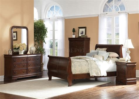 sleigh bed bedroom set brown cherry finish traditional sleigh bed w optional case