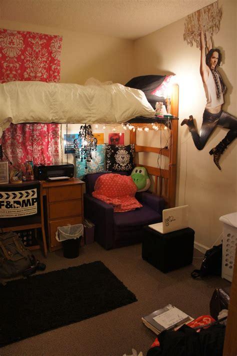 dorm room bed 17 best images about dorm room on pinterest dorm rooms