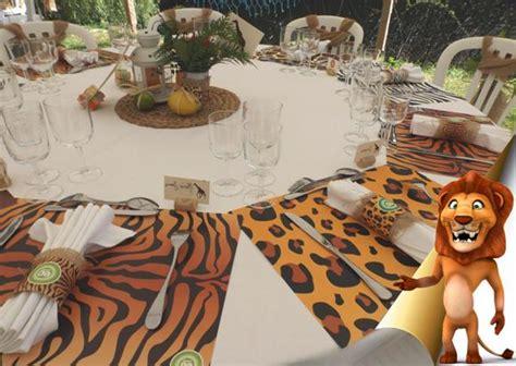 Decoration Animaux De La Jungle by Deco Anniversaire Theme Jungle