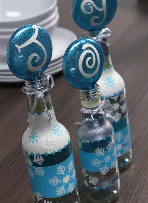diy water bottle chrismast craft picture diy stenciled bottle craft today s creative