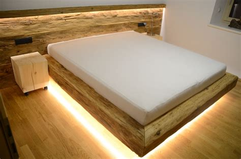 kleiderschrank nussbaum weiß schlafzimmer le designer