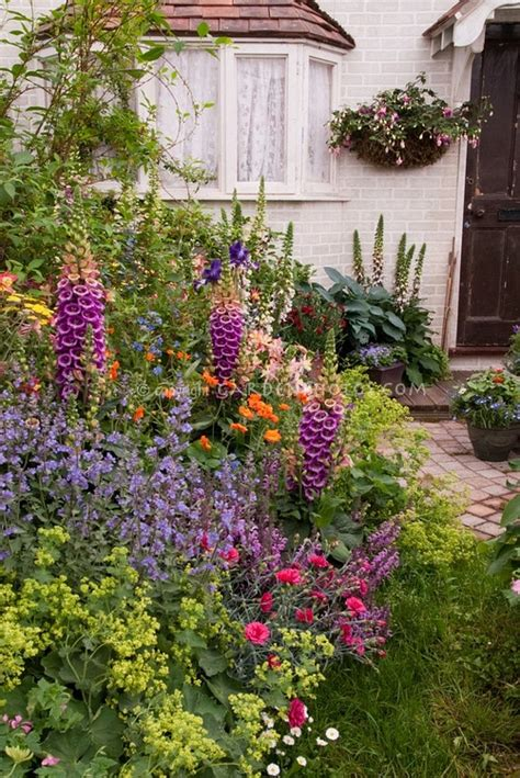 Cottage Flower Gardens Cottage Garden Gardens And Flowers