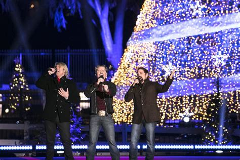 when is the national tree lighting 2017 the 2017 national christmas tree lighting the texas tenors