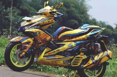 Lu Depan Aerox 155 Original foto modifikasi aerox 155 kuning bumble bee modifikasimotorz