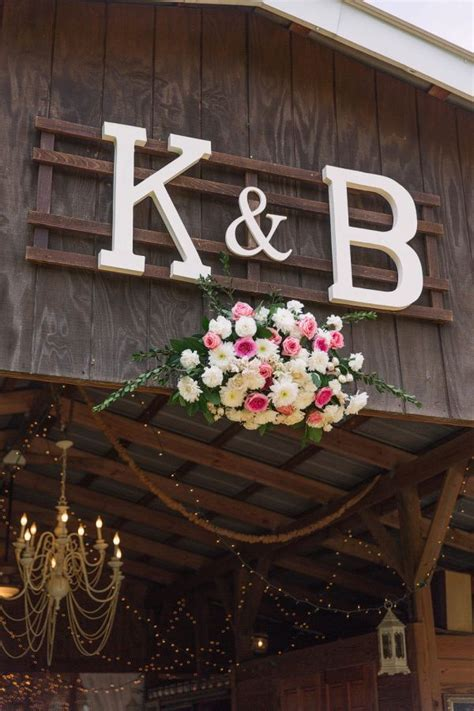 Top 25  best Rustic barn weddings ideas on Pinterest