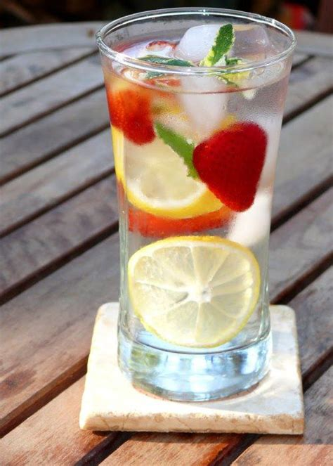 Cara Membuat Sassy Water Detox by 25 Best Ideas About Sassy Water On Flat Belly