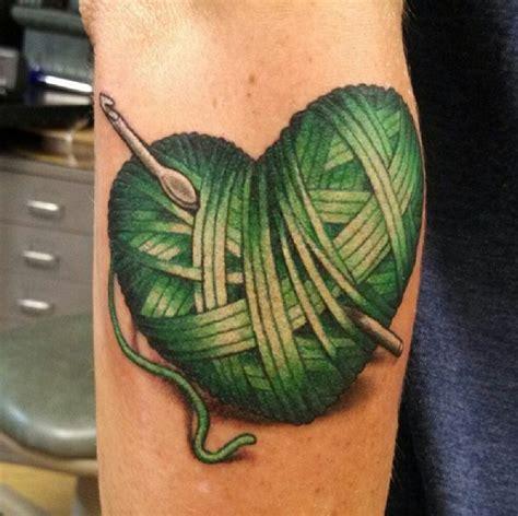 knitting tattoo 17 migliori idee su tatuaggio con trama di uncinetto su