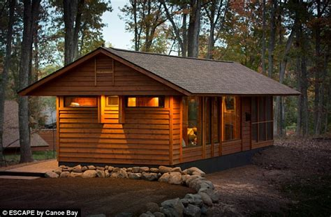 tiny houses in wisconsin wisconsin man develops adorable tiny house on wheels for 79 000 dollars daily mail