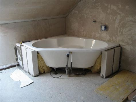 badewanne mauern 2 vor dem einmauern unter der wanne mit d 228 mmwolle d 228 mmen