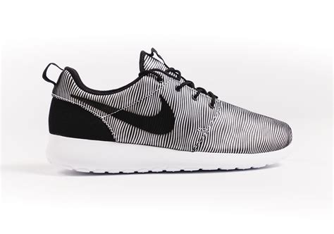 Nike Roshe Run Black White Premium nike roshe one premium plus sneakersbr