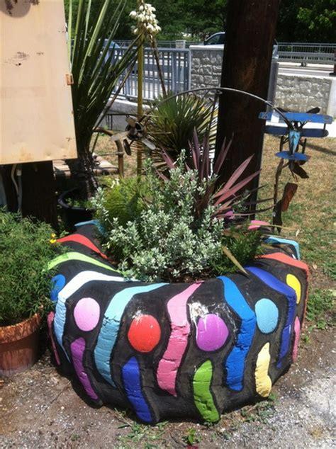 imagenes de jardines con neumaticos maceteros con neum 225 ticos reciclados decoraci 243 n de