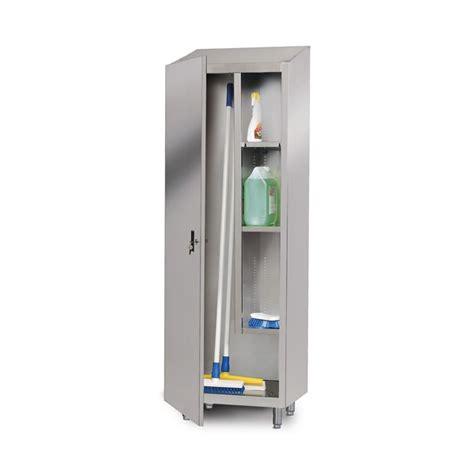 armoire a balais armoire 224 balais et produits d entretien 1 porte battante