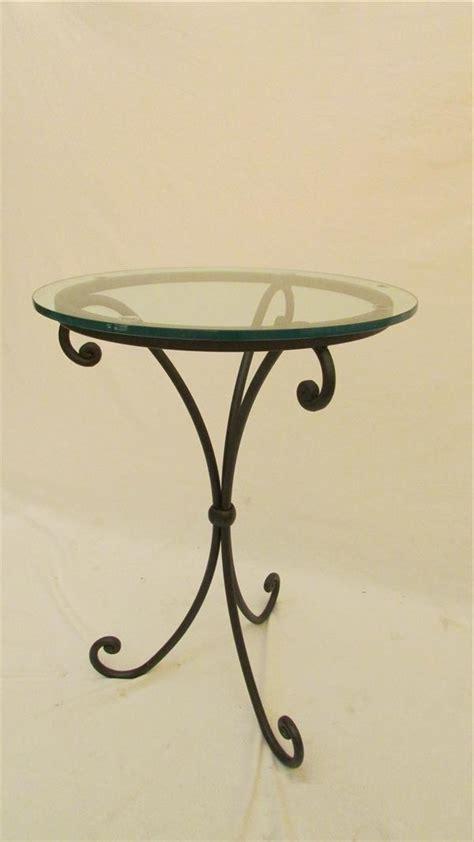 comodini in ferro battuto tavolo in ferro battuto lavorato a mano