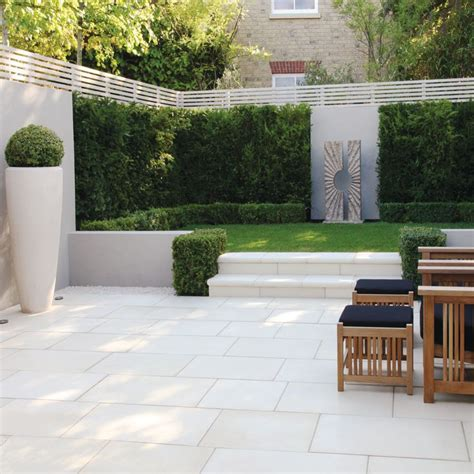 backyard tile ideas 25 best ideas about garden paving on paving