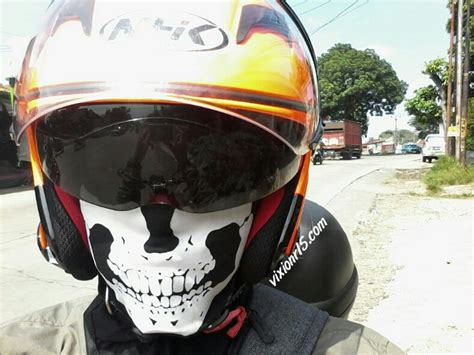 Helm Nhk Tengkorak tips berkendara enaknya dengan balaclava vixionr15