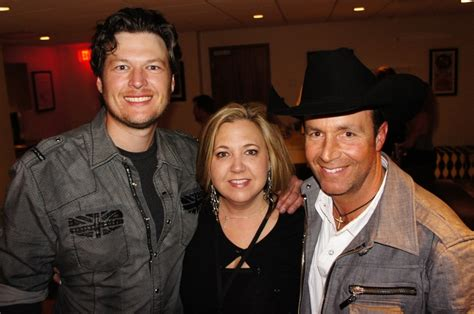 blake shelton fan club 33 best bone collector images on pinterest