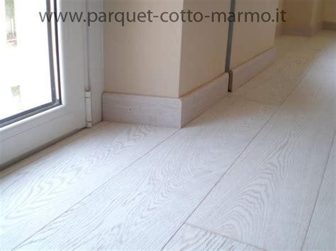 pavimenti in legno bianco parquet bianco prefinito pavimenti a roma