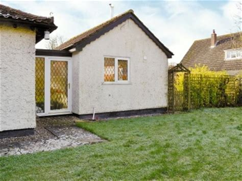Willow Cottage Nursery by Willow Tree Cottage Ref 30972 In Ashwellthorpe Nr