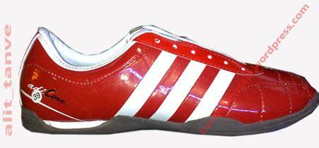 Sepatu Futsal Murah sepatu murah futsal merah sepatu murah 2011 on line
