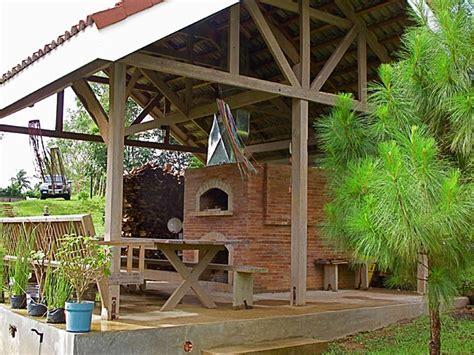 mto brick oven  fireplace   hut
