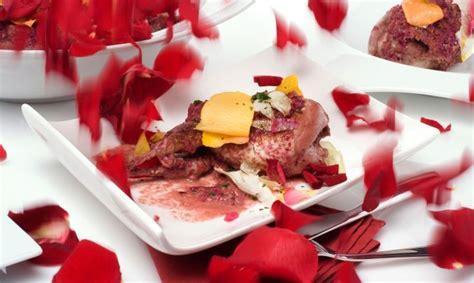codornices en ptalos de rosas rstica receta de codornices con p 233 talos de rosa bruno oteiza