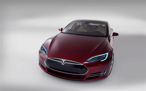 after hyping solyndra tv news ignores tesla s loan repayment