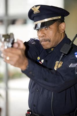 Can You Become A Cop With A Criminal Record What College Classes Should I Take To Become A Swat Officer Synonym