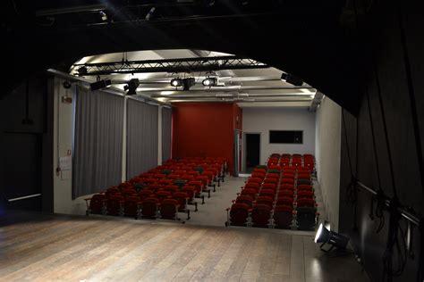 illuminazione teatrale co teatrale chi cerca un teatro e trova una casa