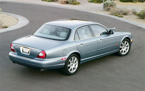 2004 jaguar vanden plas 2004 jaguar xj8 vanden plas rear three quarter photo 14